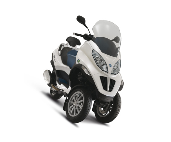 piaggio nouveau mp3 300 hybrid scooter hybrid scooter. Black Bedroom Furniture Sets. Home Design Ideas